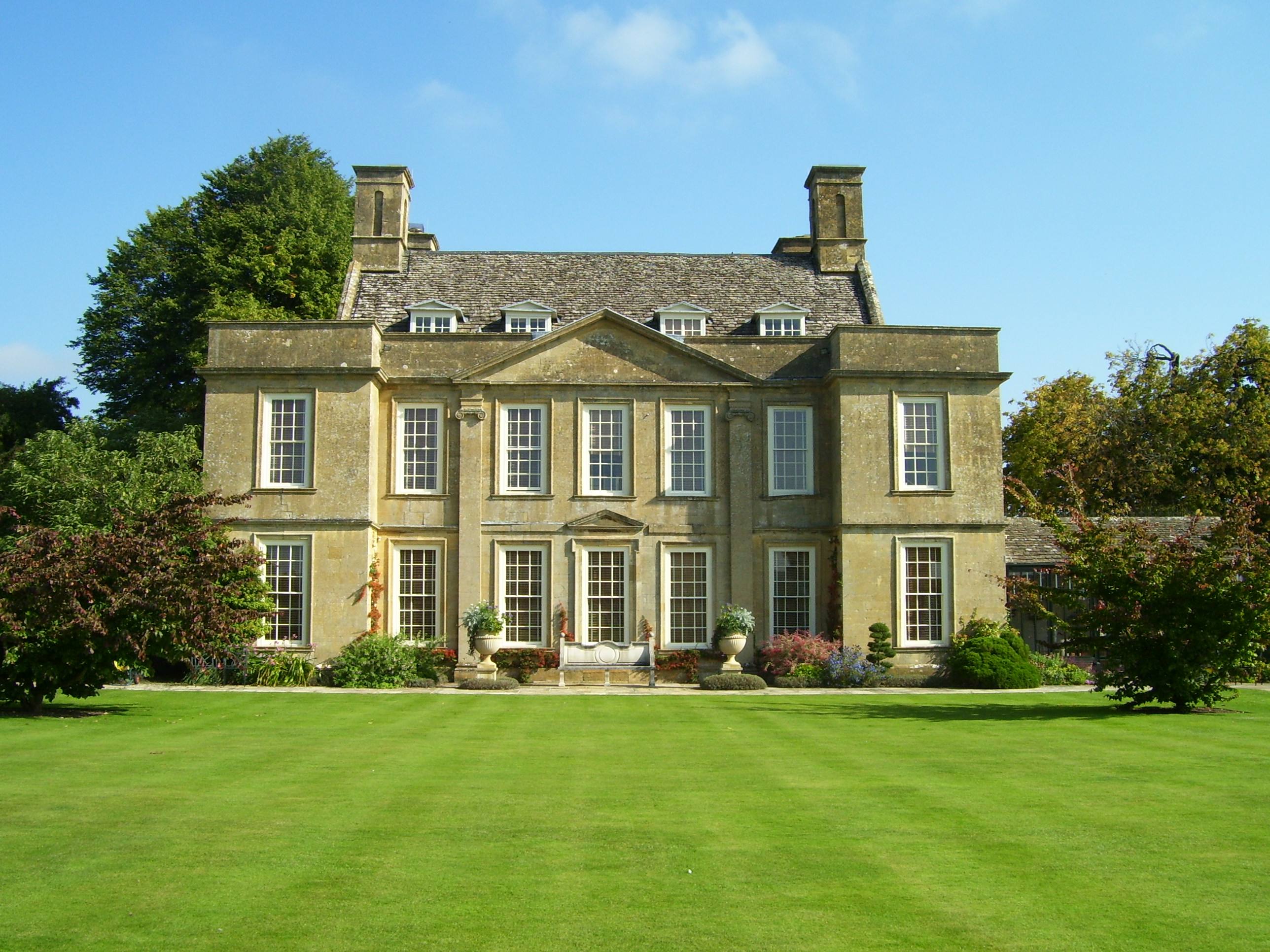 Bourton Manor | Carpe diem