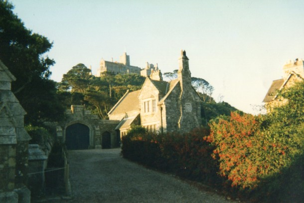 Small houses before you reach the castle atop the island of St Michael's Mount