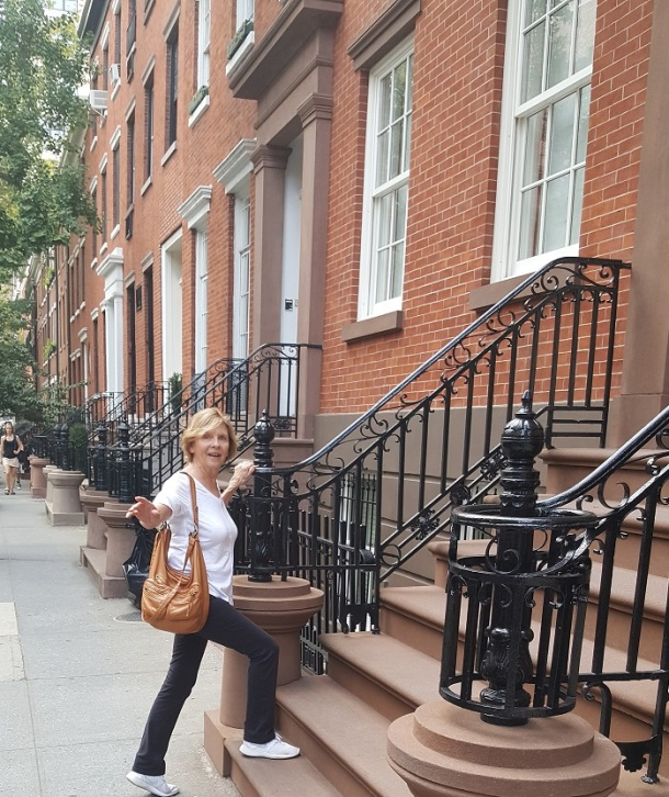 looking-to-buy-a-brownstone-cropped